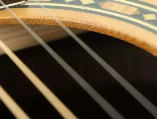 单板吉他图.jpg